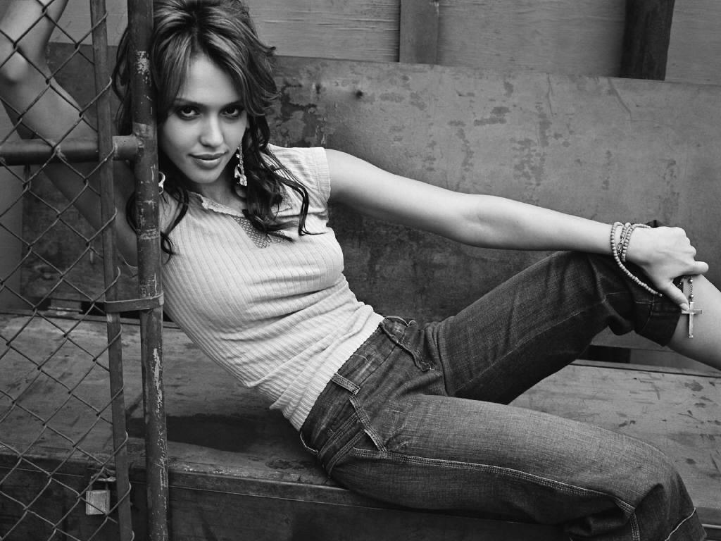 2005 ~ Jessica Alba